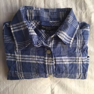 Cute thin plaid button up